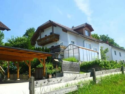 Einfamilienhaus mit kleiner Einliegerwohnung in sonniger Lage
