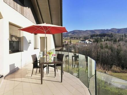Wohnung mit fabelhafter Fernsicht, Eigengarten, Terrasse und Garage!