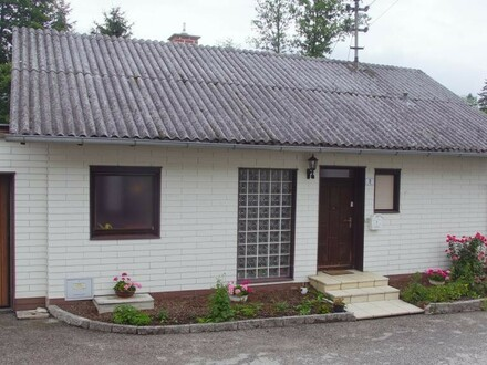 Einfamilienhaus in idyllischer Lage am Ortsrand von Alberndorf