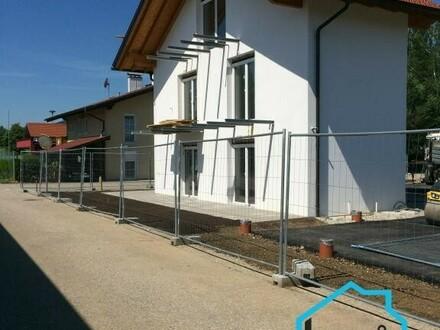 Top-Neubauhaus mit 2 getrennten Einheiten, provisionsfrei für den Käufer