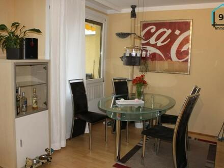 Gepflegte geräumige 3 Zimmer Wohnung mit Terrasse u. TG Platz
