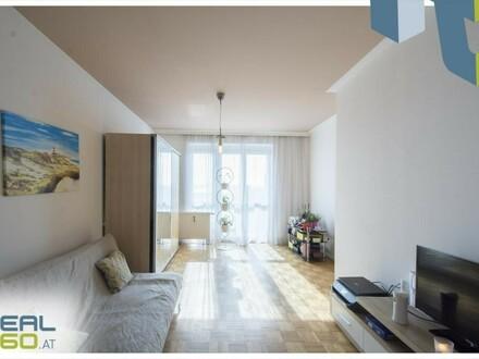 Perfekt aufgeteilte 2 Zimmer Wohnung mit Balkon in den ruhigen Innenhof - Küche mitvermietet!