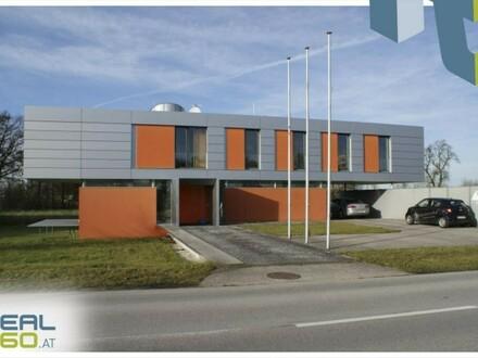 Pettenbach - Repräsentatives und neuwertiges Bürogebäude zu verkaufen!