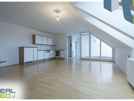 Geräumige Dachgeschoßwohnung mit uneinsehbarer Terrasse und PKW Abstellplatz!