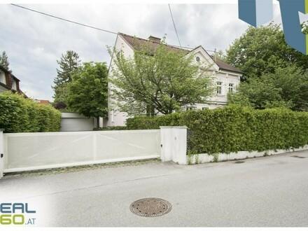 Exklusive Villa in toller Lage in Traun mit riesigem Garten & Pool!