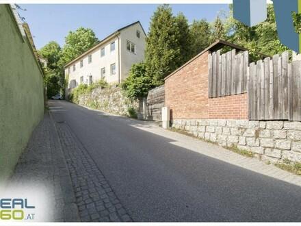 Riesiges Grundstück mit sanierungsbedürftigem Bestandshaus mit Donaublick in TOP-LAGE von Mauthausen!