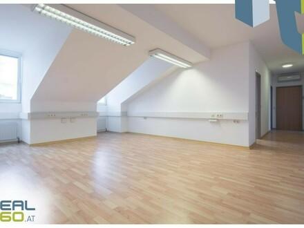 3-Raum Dachgeschossbüro mit Klimaanlage in frequentierter Lage!