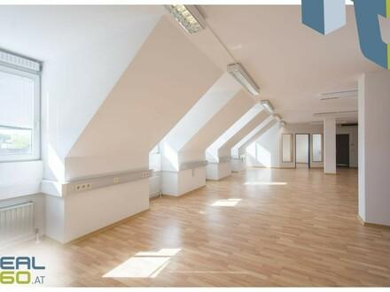Dachgeschossbüro mit Klimaanlage in Frequenzlage!