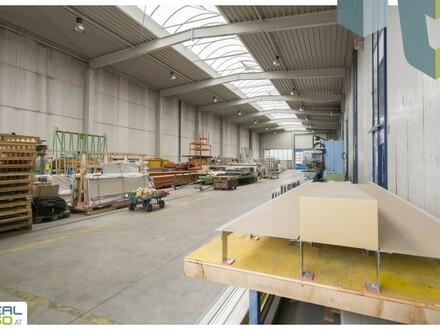 Tolle (Produktions-)Hallen mit 2 Rolltoren und einer Raumhöhe von ca. 10m zu vermieten! Linz-Hörsching!!