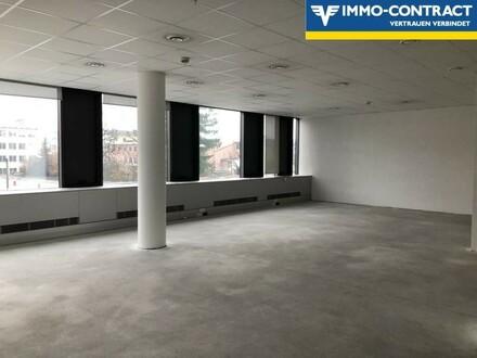Großes Büro oder Praxis in modernem Gebäude - Kann Ihren Wünschen angepasst werden!