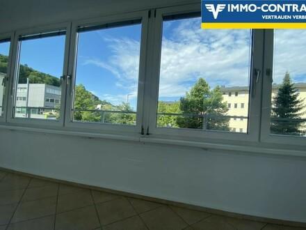 Helle 2-Zimmer Wohnung mit Loggia in Bestlage