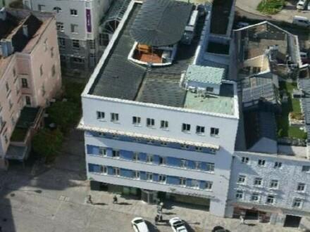 Solides Investment! Zentral gelegenes Büro- und Geschäftshaus in Vöcklabruck zu kaufen!