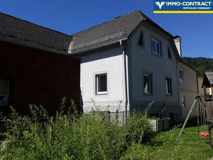 Teilweise sanierungsbedürftiges EFH mit vermieteter Wohnung