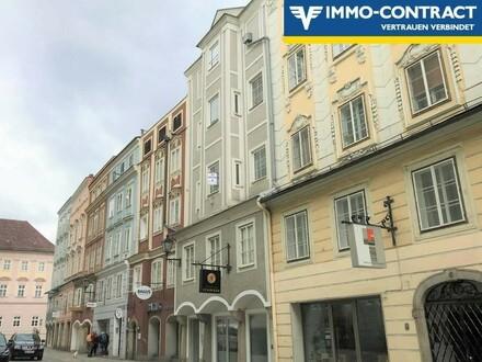 Großzügige 2-Zimmer-Wohnung in schönem Altstadthaus