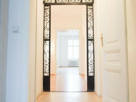 Großzügige Wohnung in prachtvollem Althaus