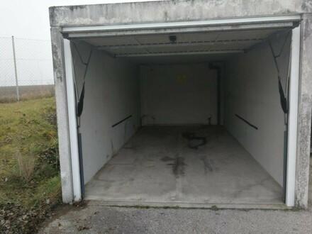 Garage/Container Nr. 14 im Wirtschaftspark Gunnersdorf ab sofort günstig zu vermieten