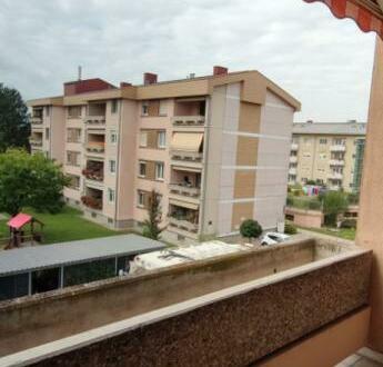 Geräumige 3 Zimmerwohnung mit Loggia in Traun/St. Martin - sehr gute Infrastruktur und optimale Erreichbarkeit! Provisi…