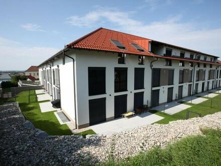 Gartenwohnung inkl. Einbauküche mit Terrasse und Garten - ERSTBEZUG