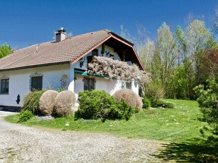 Einfamilienhaus in absoluter Ruhelage & traumhaften sowie großen Garten - 5233 Siegerting