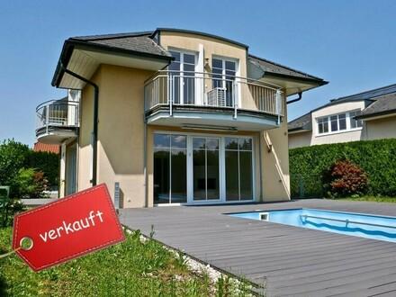 AUSSICHT / SONNE / LAGE - Luxuriöses Einfamilienhaus mit Pool & Doppelgarage - 5081 Anif
