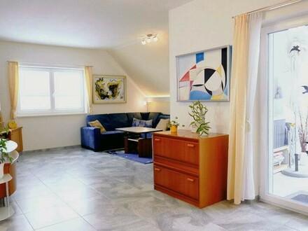 Traumhafte 3 Zimmer Dachgeschosswohnung in außergewöhnlicher Lage mit 104 m² Wnfl. und eigenem Indoorpool - 5301 Eugendorf