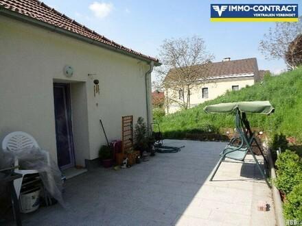 Geräumige 4-Zimmerwohnung mit Terrasse - WG geeignet