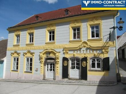 """Baujuwel """"Alte Apotheke"""" und ein Appartementhaus"""