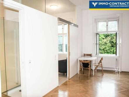Essbereich mit Küche und Bad