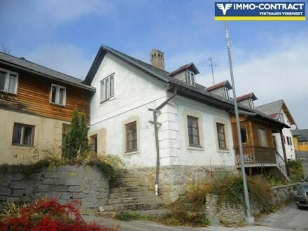 Komplett sanierungsbedürftiges Gebäude am Josefsberg