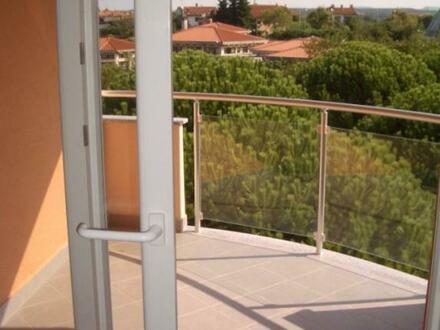 Istrien - Dachgeschoss Wohnung im Zentrum von Umag - Top-Lage!
