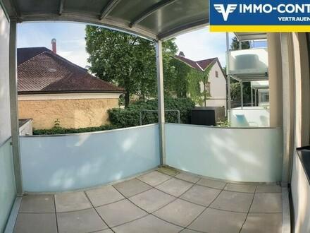 Sehr schöne zentrale Wohnung mit Balkon