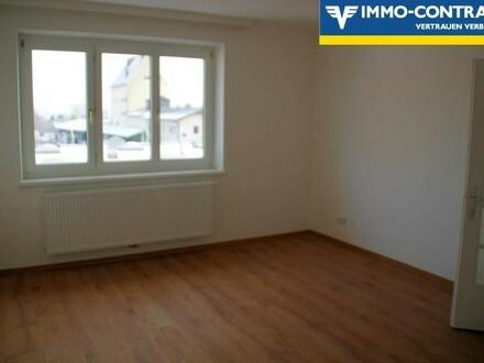 Nette Wohnung mit Balkon