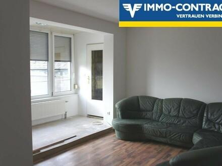 Wohnzimmer mit verbauter Loggia