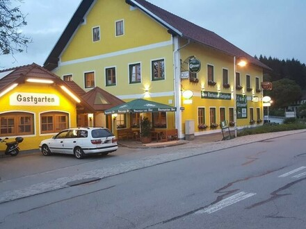Gasthaus mit großen Gastgarten, Pub und Saal