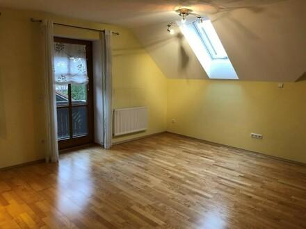 ***Mietanbot liegt vor!***Schöne Mietwohnung im Privathaus mit Balkon und Gartenanteil
