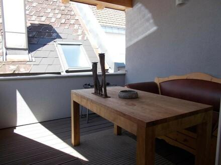 ***KAUFANBOT LIEGT VOR*** Wunderschöne Dachgeschoßwohnung mit Terrasse in ruhiger Lage