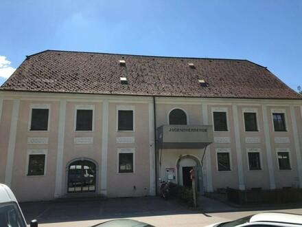 """""""Herberge mit 12 Wohneinheiten in bester Lage an der Donau!"""""""