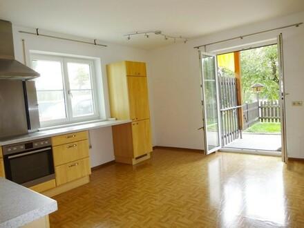 Schöne ruhige Wohnung mit Terrasse
