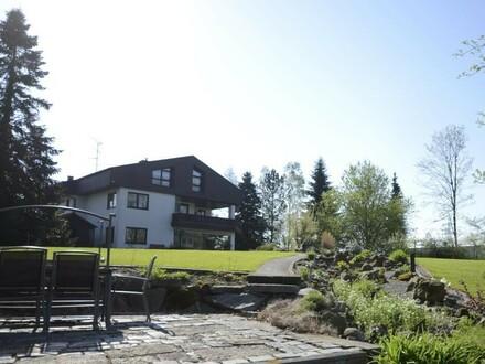 Unternehmervilla - Wohnen und Arbeiten am Teich