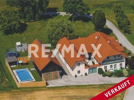 **VERKAUFT**Exklusives Landhaus mit Pool in Ruhe-und Aussichtslage