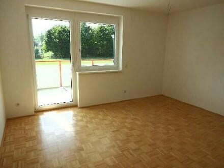 Wohn-, Ess-, Schlafzimmer Top B3
