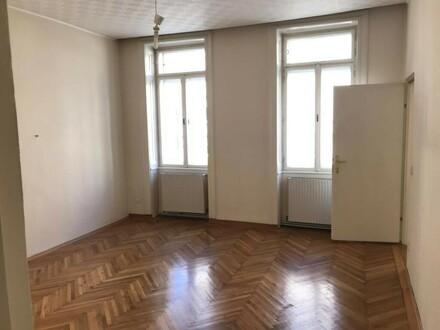 2-Zimmer-Altbau in guter Lage