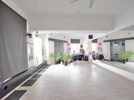 Tanzstudio / Studio / Geschäftslokal / Büro