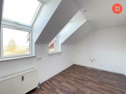Provisionsfreie 3 ZI - Wohnung inkl. Loggia und KFZ Parkplatz