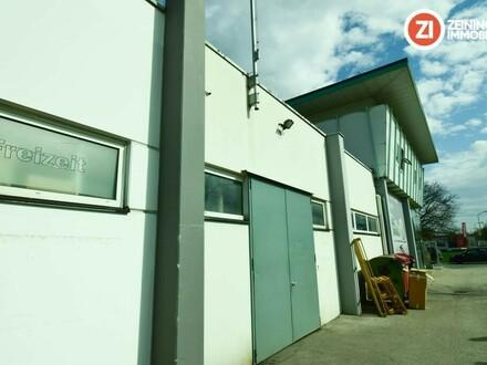 Moderne Lagerhalle beheizt mit Büro