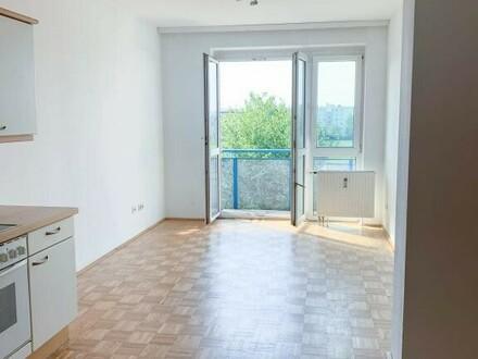 Schöne 35m²- Wohnung - nähe Infracenter inkl. Küche und Balkon