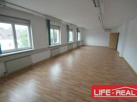 vermietetes, modernes Büro in TOP-Gebäude in Linz