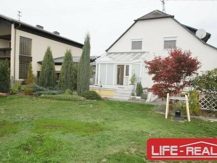 Haus mit 2 Wohneinheiten in sehr ruhiger Lage