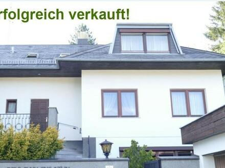 Zweifamilienhaus | 2 Eingänge | 1800m2 Südwestgrund | absolute Grünruhelage | Indoorpool
