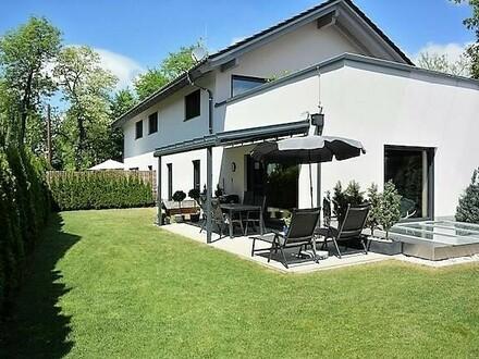 Leopoldskron-Leben im Kitzbühler Chalet-Stil-Traumhaft schöne, moderne 4 Zi.- Gartenwohnung.